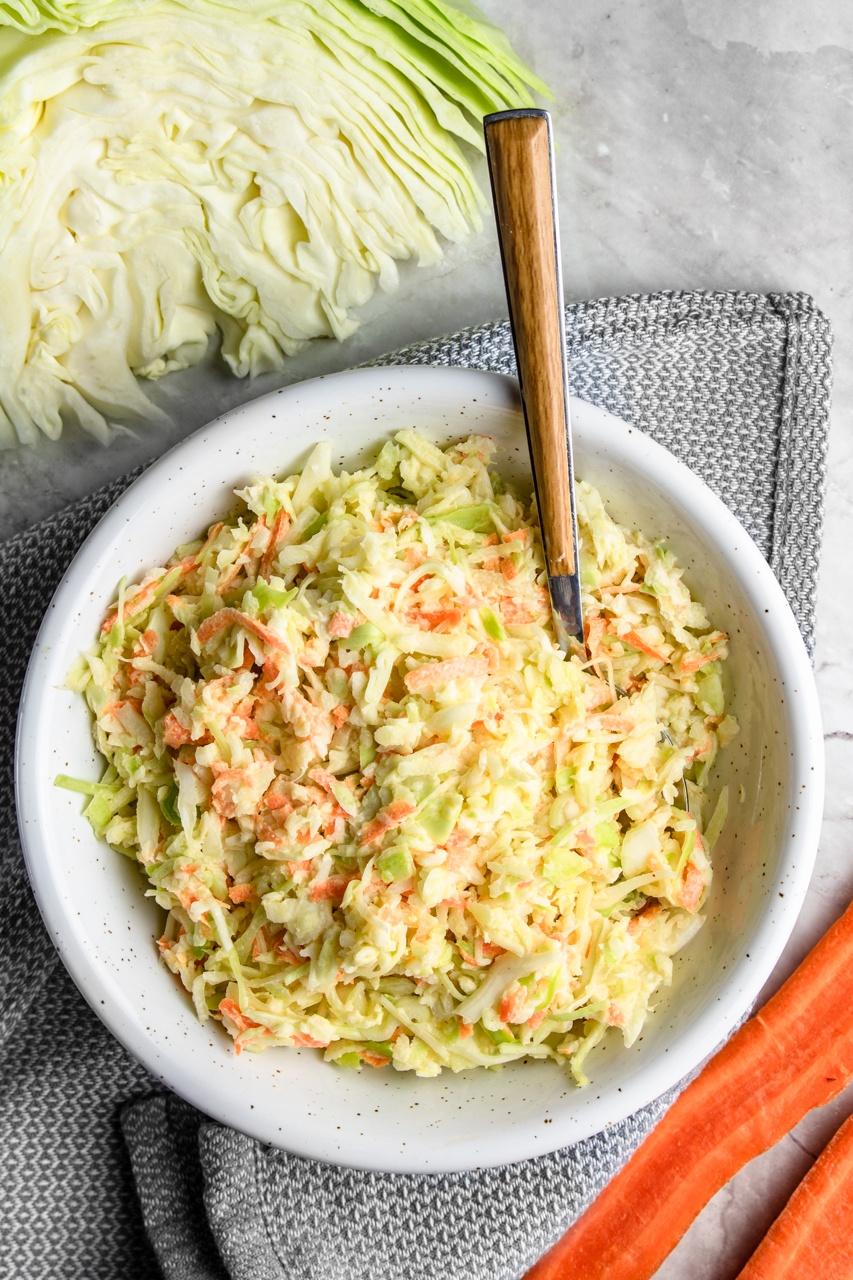 Ulubiony coleslaw w 5 minut (6 składników)