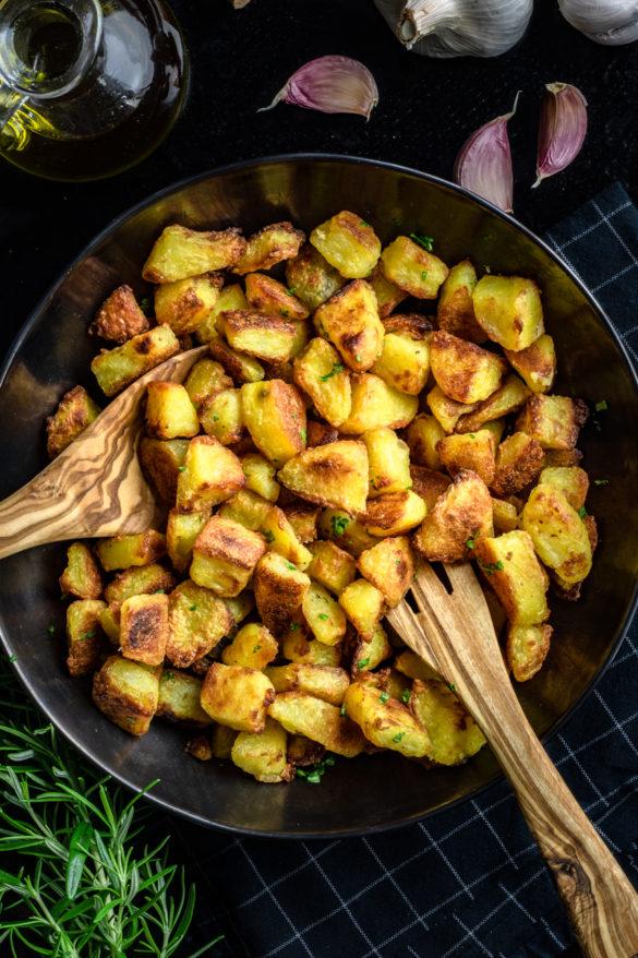 Chrupiące pieczone ziemniaki (3 składniki)