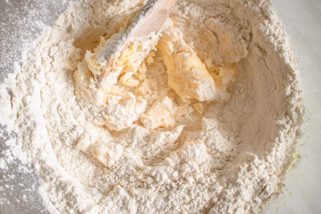 Delikatne ciasteczka cytrynowe (5 składników)
