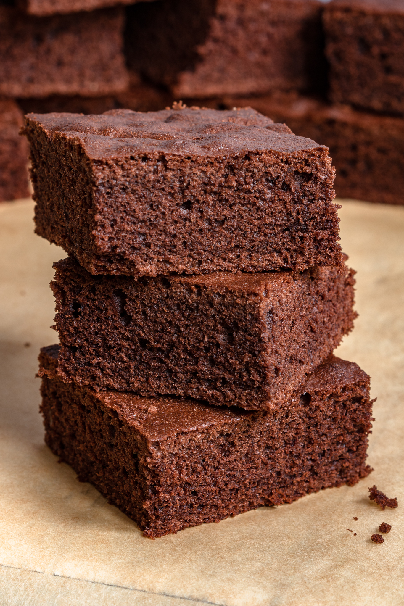 Puszyste ciasto czekoladowe (7 składników)