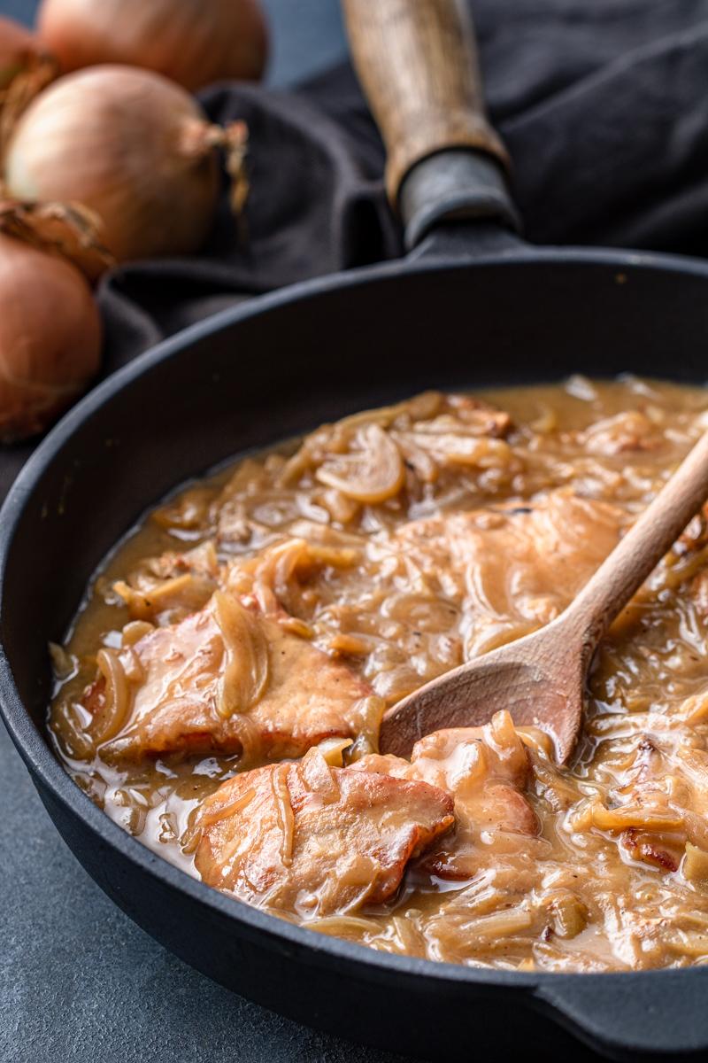 Schab w sosie cebulowym (6 składników)
