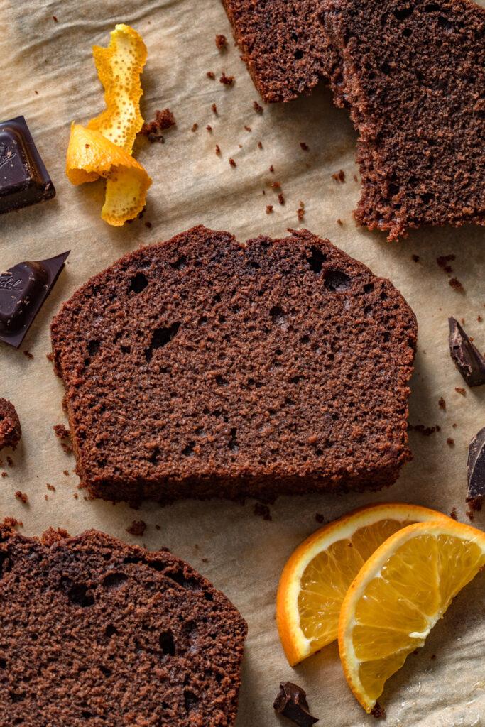 Ciasto piernikowe z czekoladą i pomarańczą (8 składników)