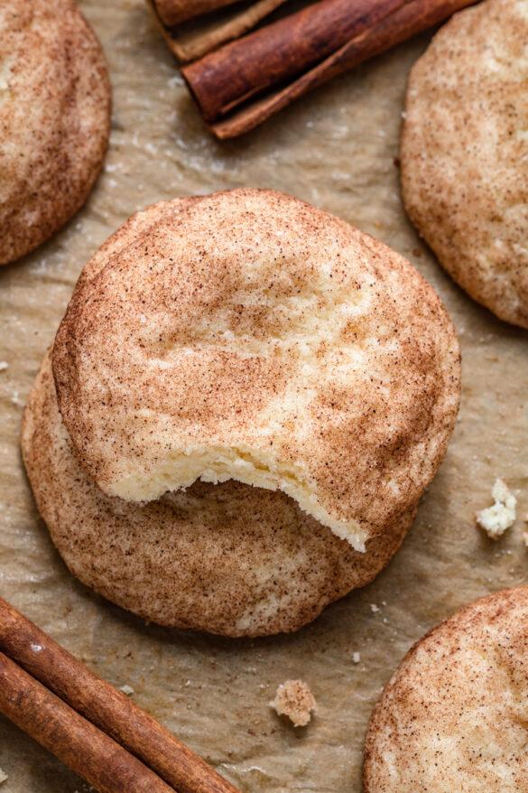 Cynamonowe ciasteczka Snickerdoodles (6 składników)